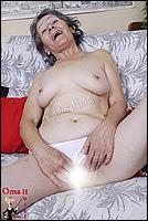 oma komt gillend klaar sex date arnhem